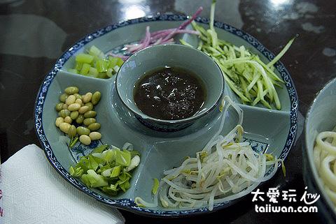 老北京炸醬麵