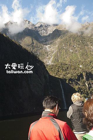 米佛峽灣-教冠峰(Mitre Peak)