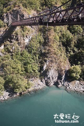 卡瓦勞大橋