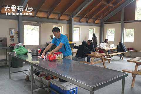 DOC露營區廚房