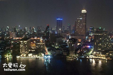 半島酒店房間的夜景