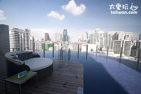 aloft Hotel泳池