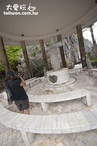 圓形的祈禱亭