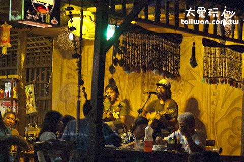 海邊餐廳的現場演唱