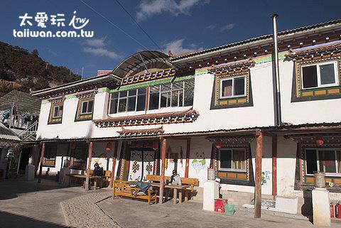覺色滇鄉青年旅館