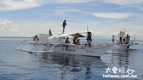 一條船最多載6名遊客