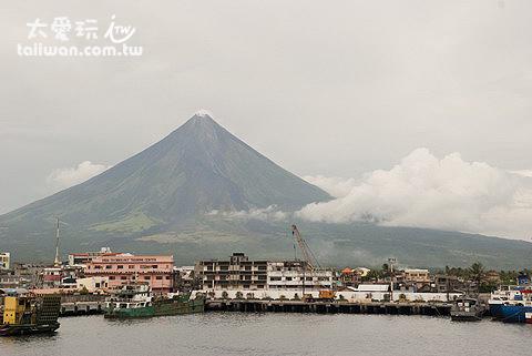 Legazpi著名的馬榮火山