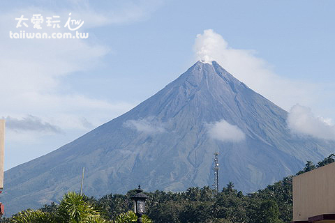 非常美的錐形火山