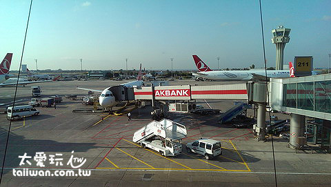 伊斯坦堡機場等待轉機