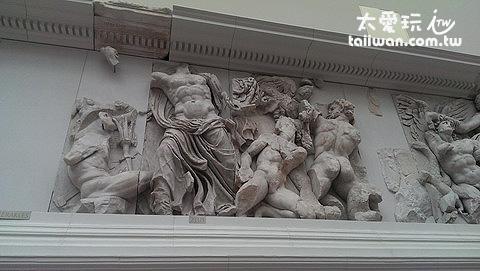 帕加馬祭壇殘缺的石雕