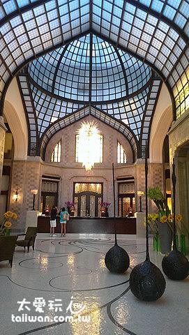 布達佩斯四季飯店Gresham Palace氣派的大廳