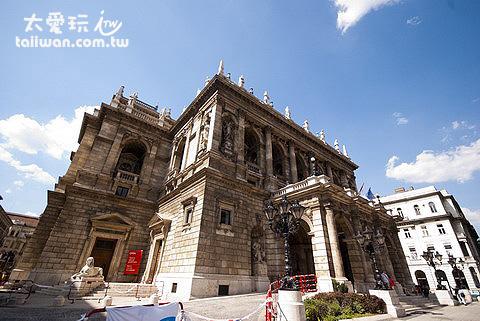 布達佩斯歌劇院