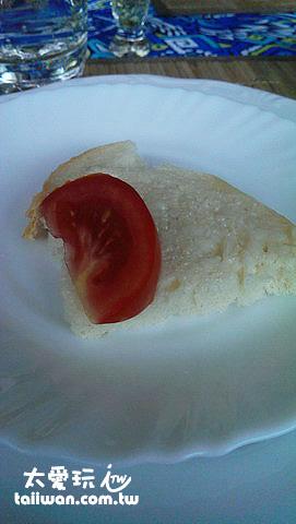 豬油土司配蕃茄