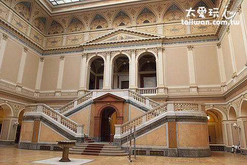 Rudolfinum音樂廳最有名氣
