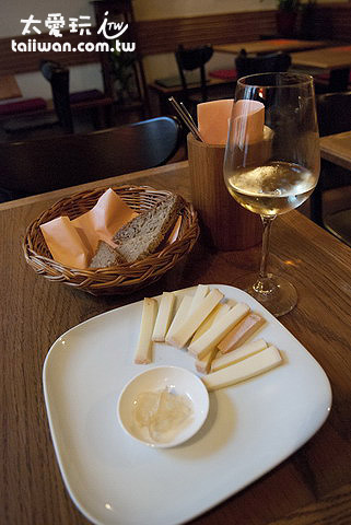Vinograf Wine Bar品酒