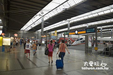 抵達慕尼黑火車站已經是晚上快八點了