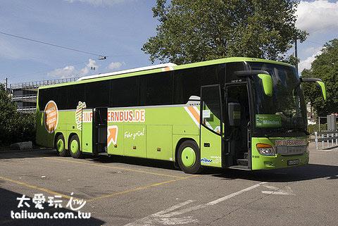 搭上Mein Fern Bus要去蘇黎世