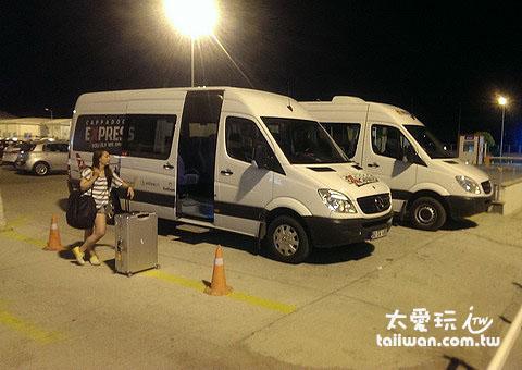 機場接送的小巴士