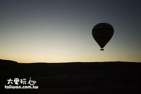卡帕多奇亞搭熱氣球看日出