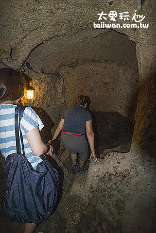 地下城空間非常狹小