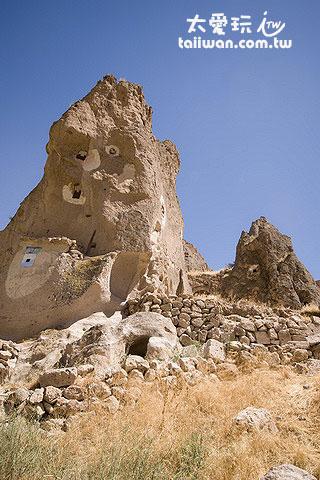 荒廢的石屋教堂