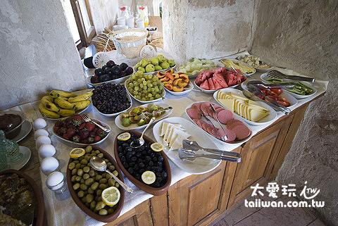 Aydinli Cave House的早餐非常豐富