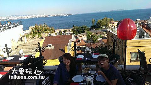 開心的屋頂餐廳午餐