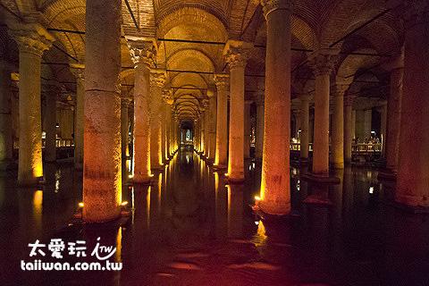 地下水宮殿 Yerebatan Sarnici/Basilica Cistern