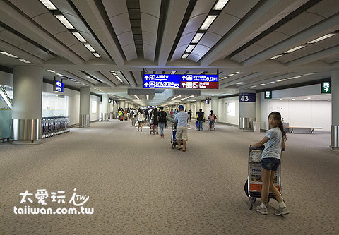 抵達香港機場了