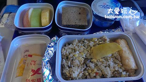 東航的飛機餐還行