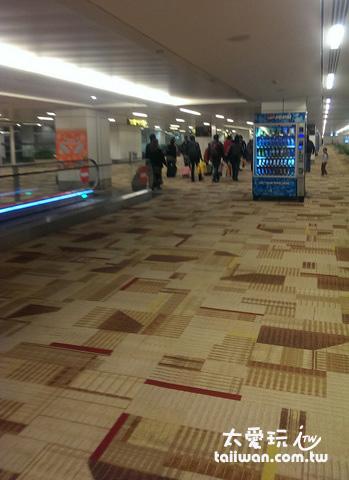 抵達新德里機場了