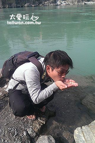 本來想嘗看看恆河水的味道如何