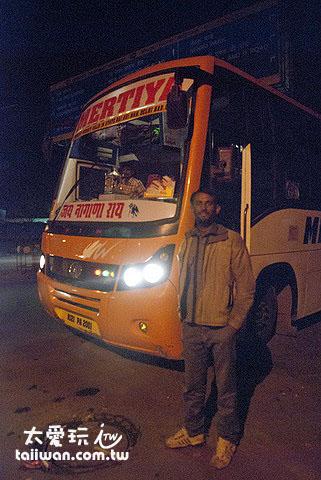 前往沙漠之城Jaisalmer的巴士