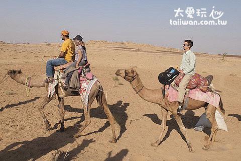 開始駱駝行程