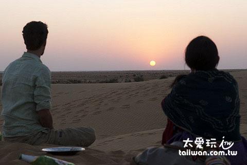 沙漠看日落