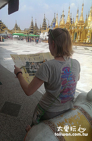 大金寺很大,得看地圖