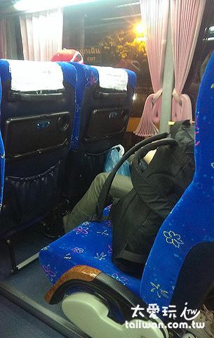 Lomprayah的巴士位置不大