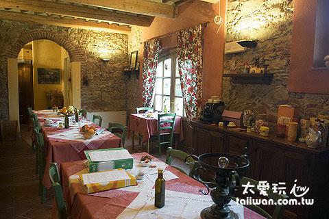 Agriturismo Al Podere Di Rosa莊園餐廳