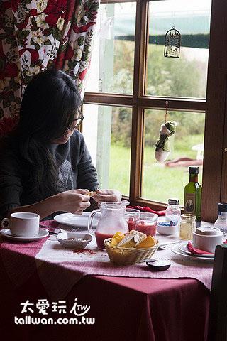 Agriturismo Al Podere Di Rosa早餐