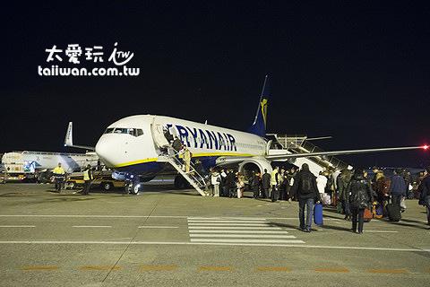 今晚要搭歐洲有名的廉價航空Ryan Air直飛布達佩斯