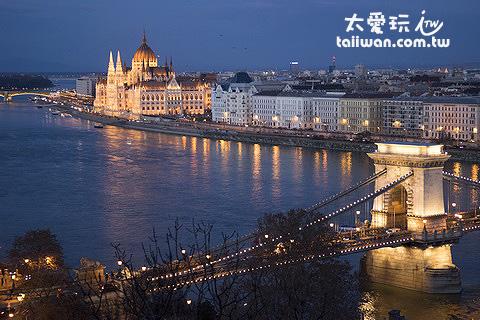 鍊子橋與匈牙利國會大廈