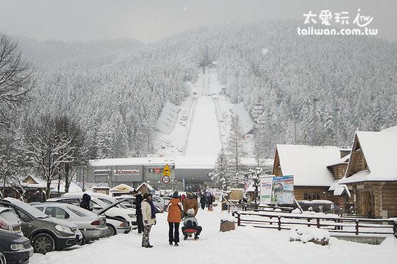 Zakopane北邊山脈的滑雪跳台