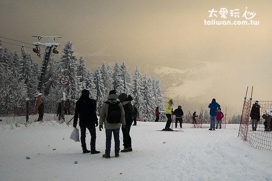 山上滑雪場直達山下