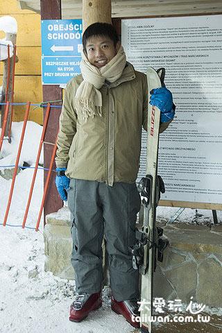 跟著人家來滑雪