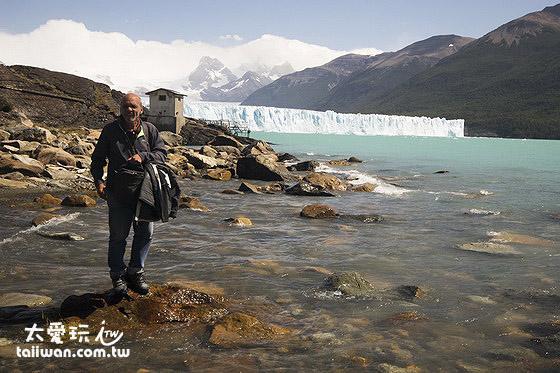 親自去享受冰河湖水的沁涼