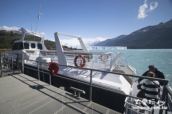 搭船看冰河