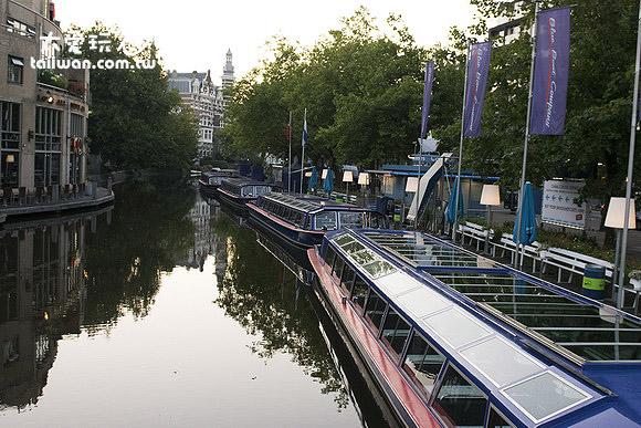 清晨的阿姆斯特丹格外寧靜