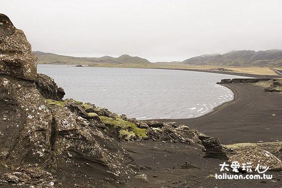 Kleifarvatn身為冰島的第一個正式景點並沒有讓我們失望