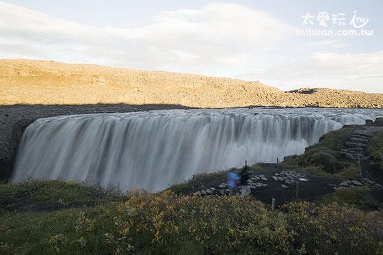 魔鬼瀑布Dettifoss是冰島最大的瀑布
