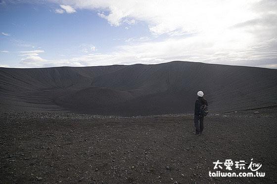 一公里寬的Hverfjall crater